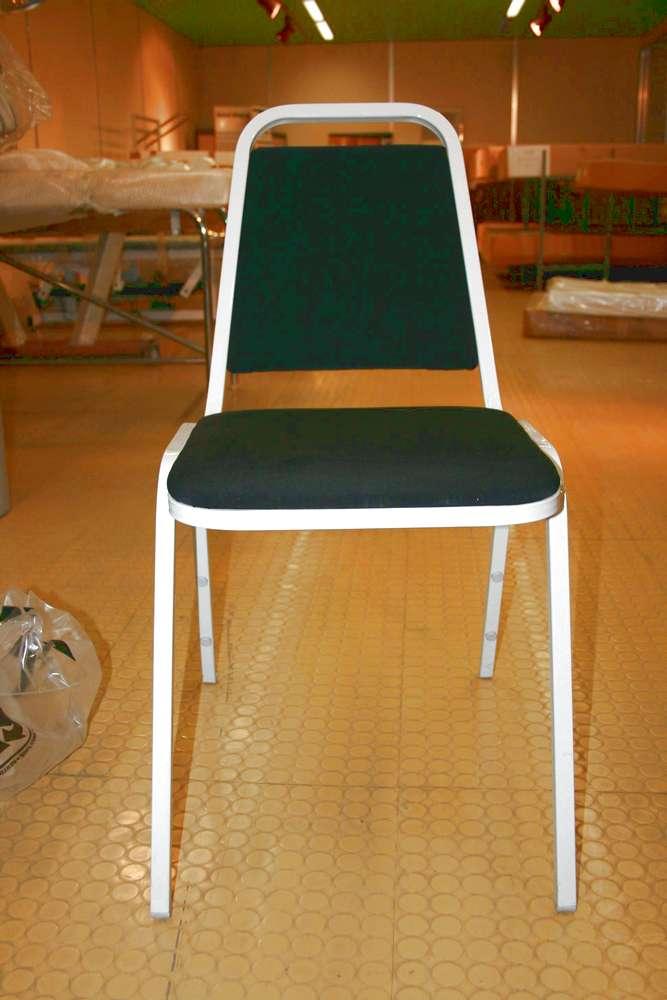 chaise_metallique_ou_bois