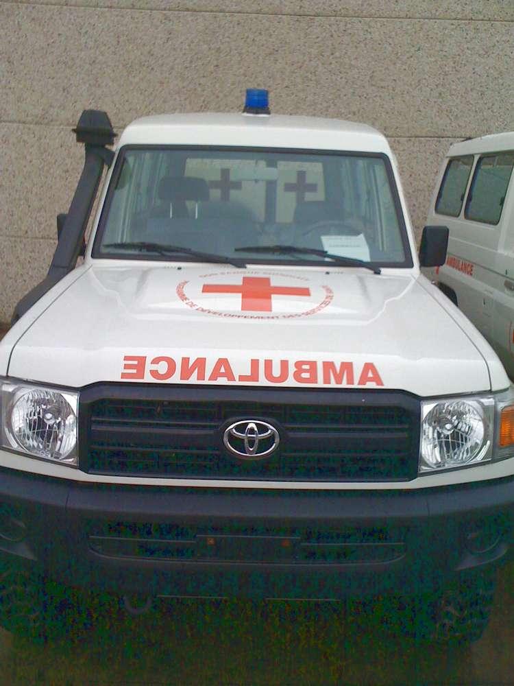 ambulance_4x4_4